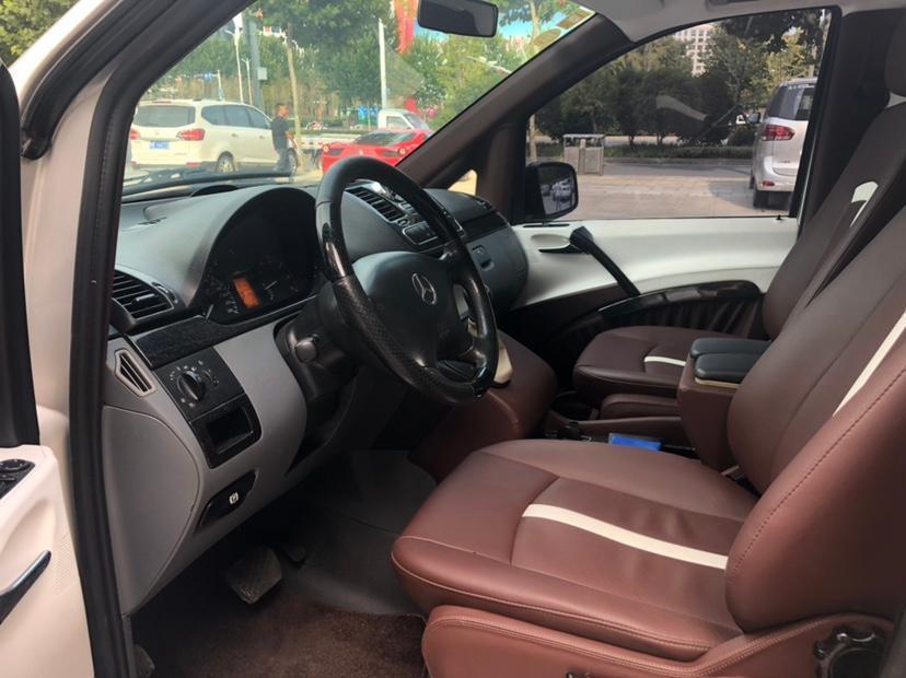 奔驰 威霆  2011款 2.5L 商务版图片