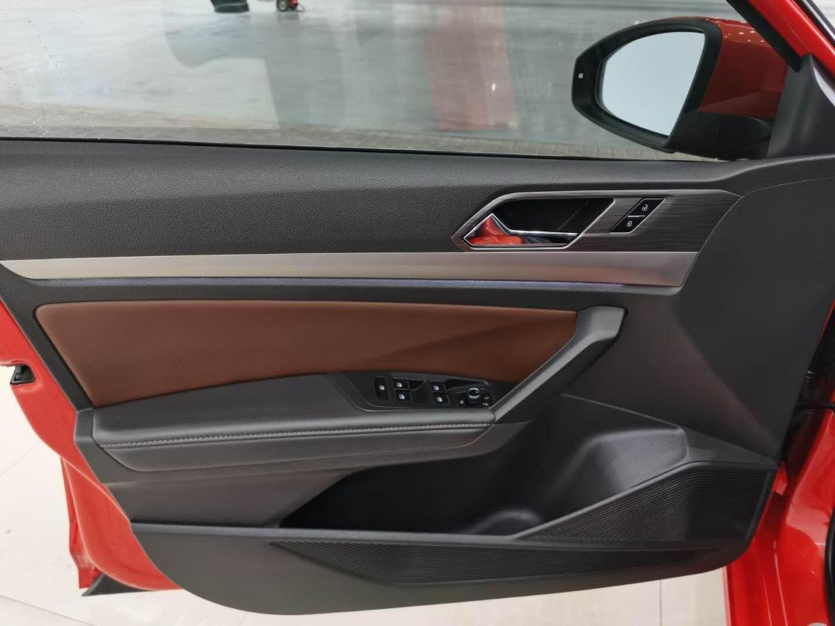 大众 朗逸  2018款 两厢 280TSI DSG豪华版图片