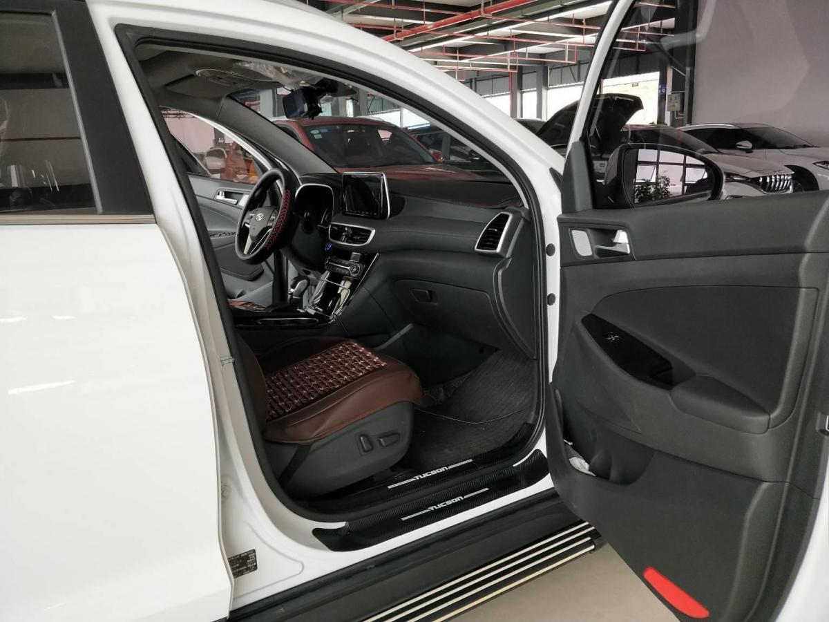 现代 途胜  2019款 280TGDi 双离合两驱豪华版图片