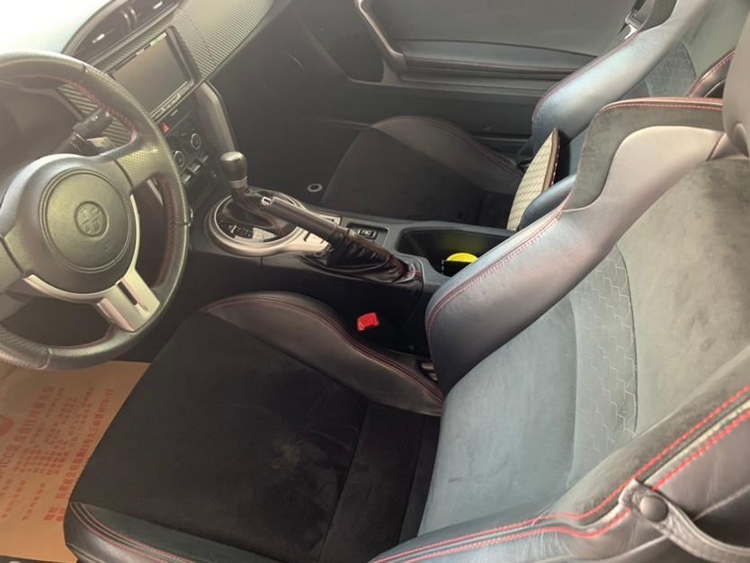 丰田 86  2014款 2.0L 自动豪华型图片