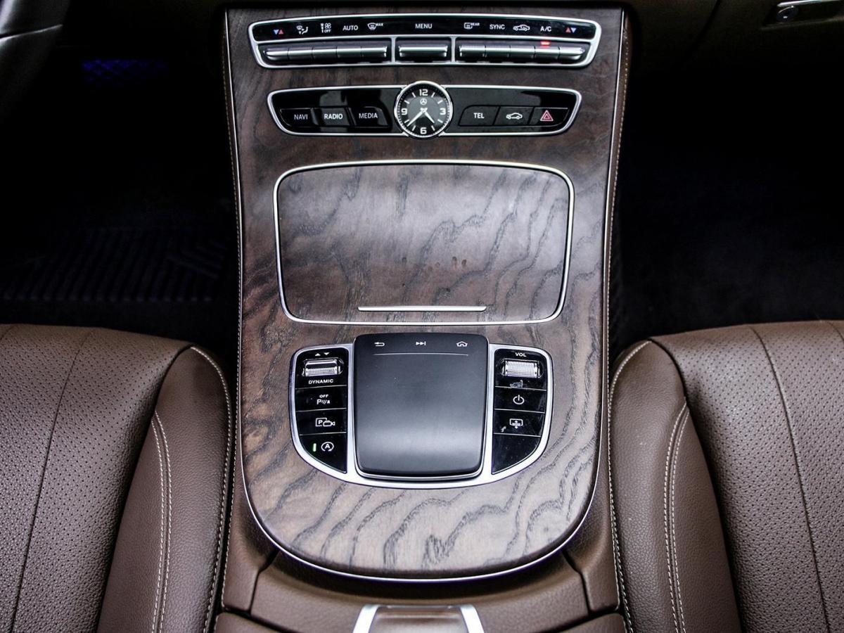 奔驰 奔驰E级  2019款 E 300 L 豪华型图片
