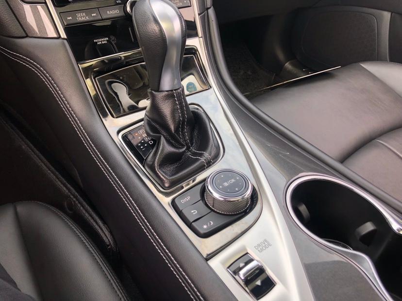 英菲尼迪 Q50L  2015款 2.0T 舒适版图片
