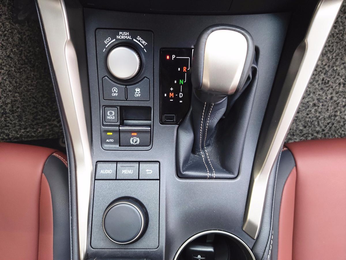 雷克萨斯 NX 2015款 200 全驱 锋尚版图片