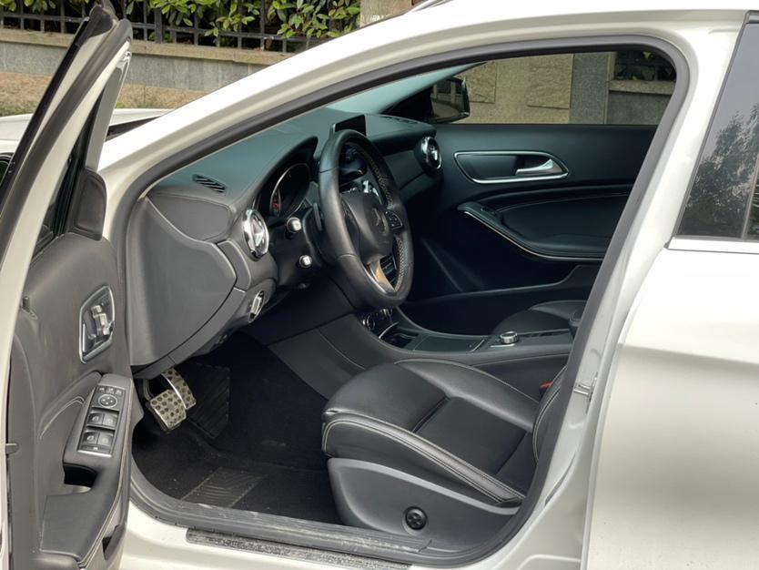 奔驰 奔驰GLA  2018款 GLA 200 时尚型图片