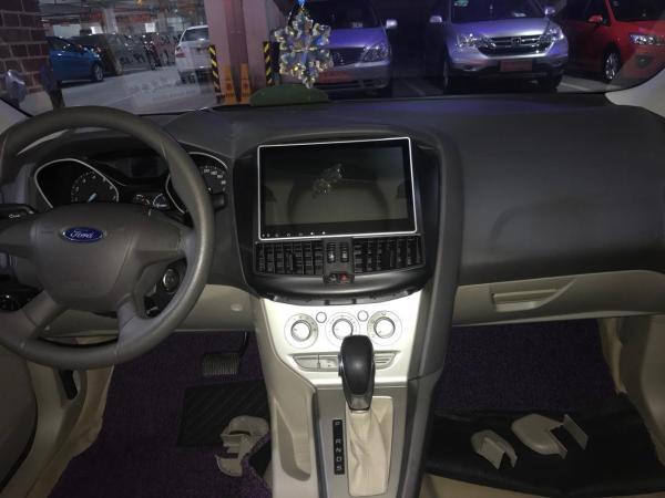 福特 福克斯  三厢 1.6 舒适型图片