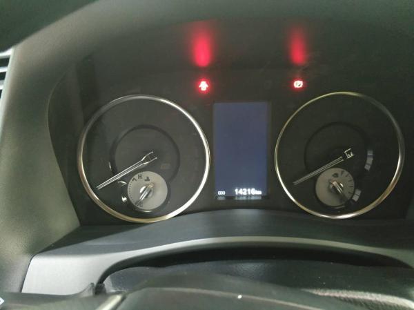 丰田 埃尔法  3.5L 尊贵版图片