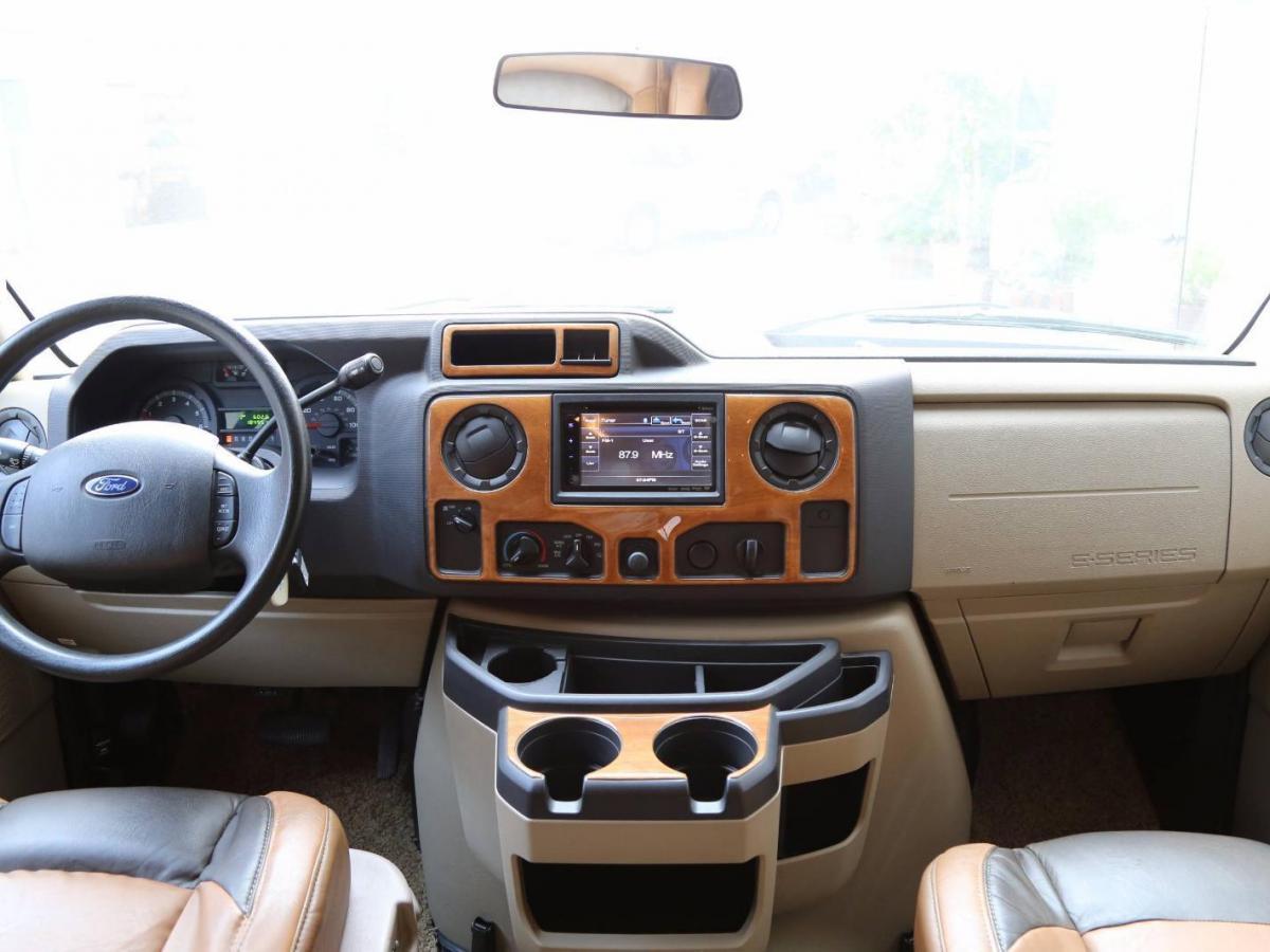 2013款 福特E450 E450 6.8L图片