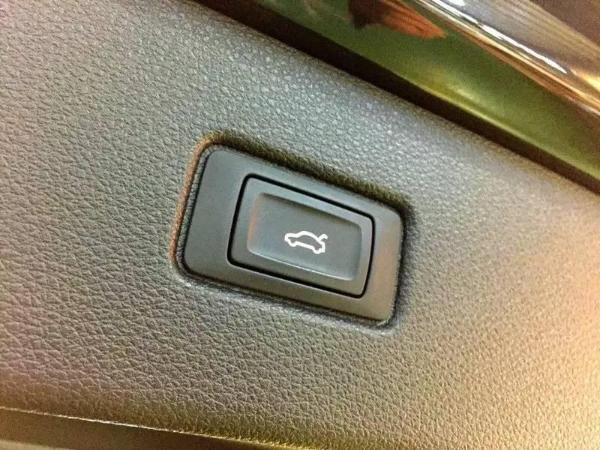 奥迪 奥迪Q7  Q7 3.0T 45 TFSI 技术型图片