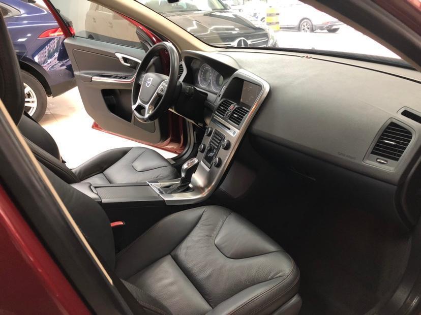 沃尔沃 XC60  2013款 T6 AWD个性运动版图片