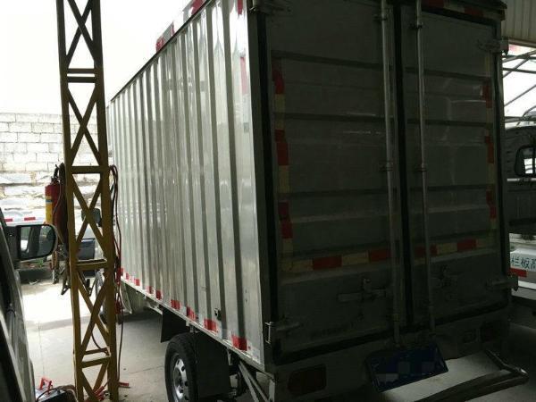 年12月 二手五菱之光小卡 2009款 1.0L 手动 单排厢式小货车 价格2万高清图片