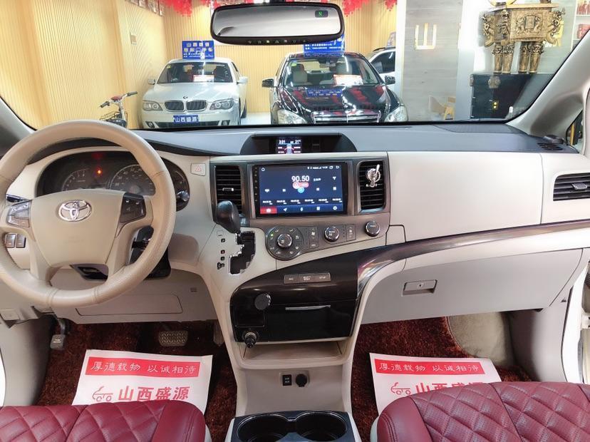 丰田 塞纳  2011款 Sienna 2.7L 美规版图片