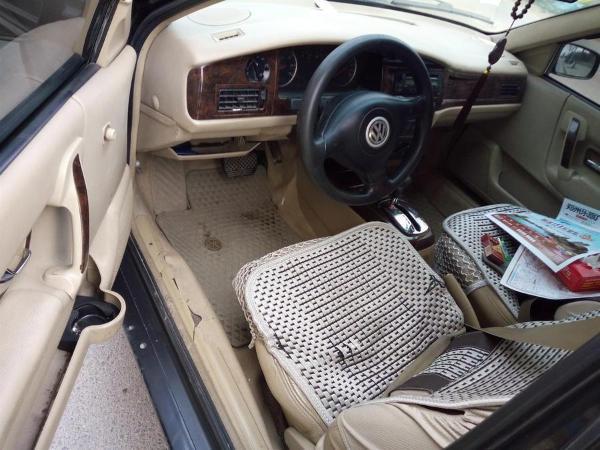 【郑州】2005年6月 大众 桑塔纳3000 超越者舒适型自动 黑色 自动档