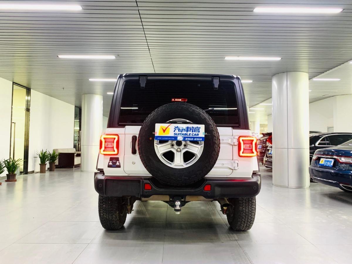 Jeep 牧马人  2019款  2.0T Sahara 四门版图片