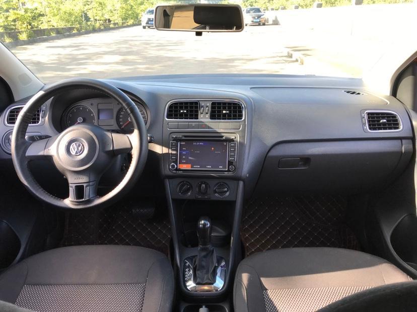 大众 Polo  2011款 1.4L 自动致尚版图片