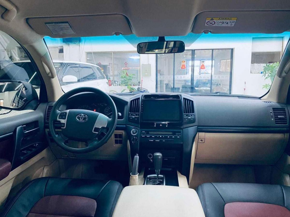 豐田 蘭德酷路澤  2015款 4.0L V6 中東限量版圖片