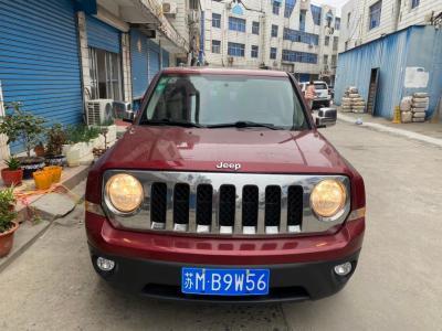 Jeep 自由客  2013款 2.4 炫黑運動版