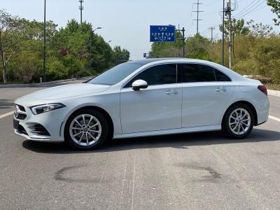 奔驰 奔驰A级  2020款 改款 A 200 L 运动轿车动感型图片