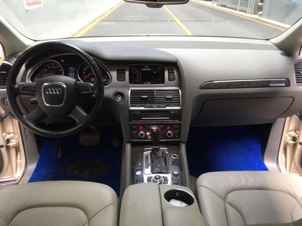 奥迪 奥迪Q7  2012款 Q7 3.0T FSI 舒适型 245kw图片