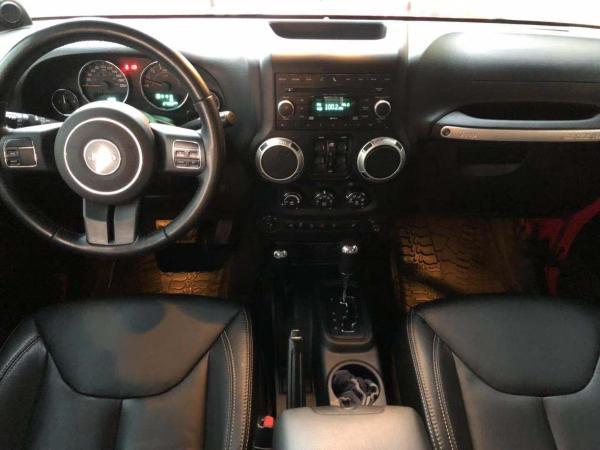 Jeep 牧马人  2013款 3.6L 四门 10周年限量版图片