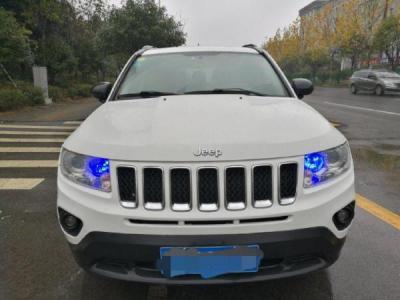 2013年1月 Jeep 指南者 2.4L CVT手自一体 运动版 四驱图片