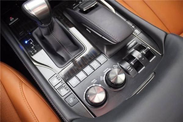 雷克萨斯 LX  LX570 5.7 动感豪华版图片