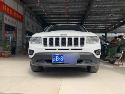 2012年3月 Jeep 指南者  2.0L CVT 豪华版 两驱图片