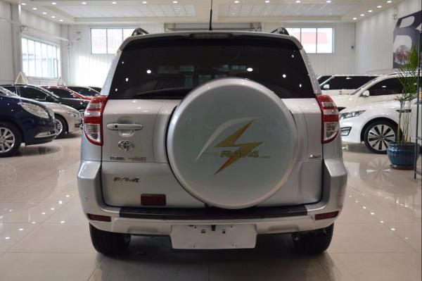 丰田 RAV4  2.4 豪华导航版图片