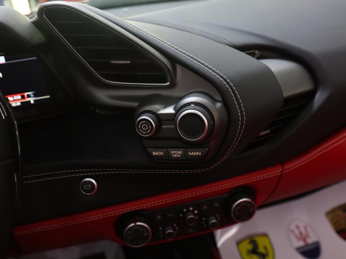法拉利 488  2015款 3.9T Spider图片