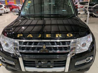 三菱 帕杰罗  2016款 3.0L 尊贵版