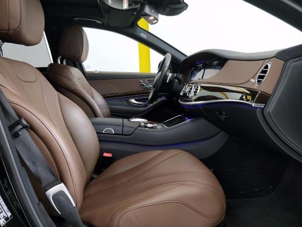 奔驰 S级  S320L 3.0T 商务型图片
