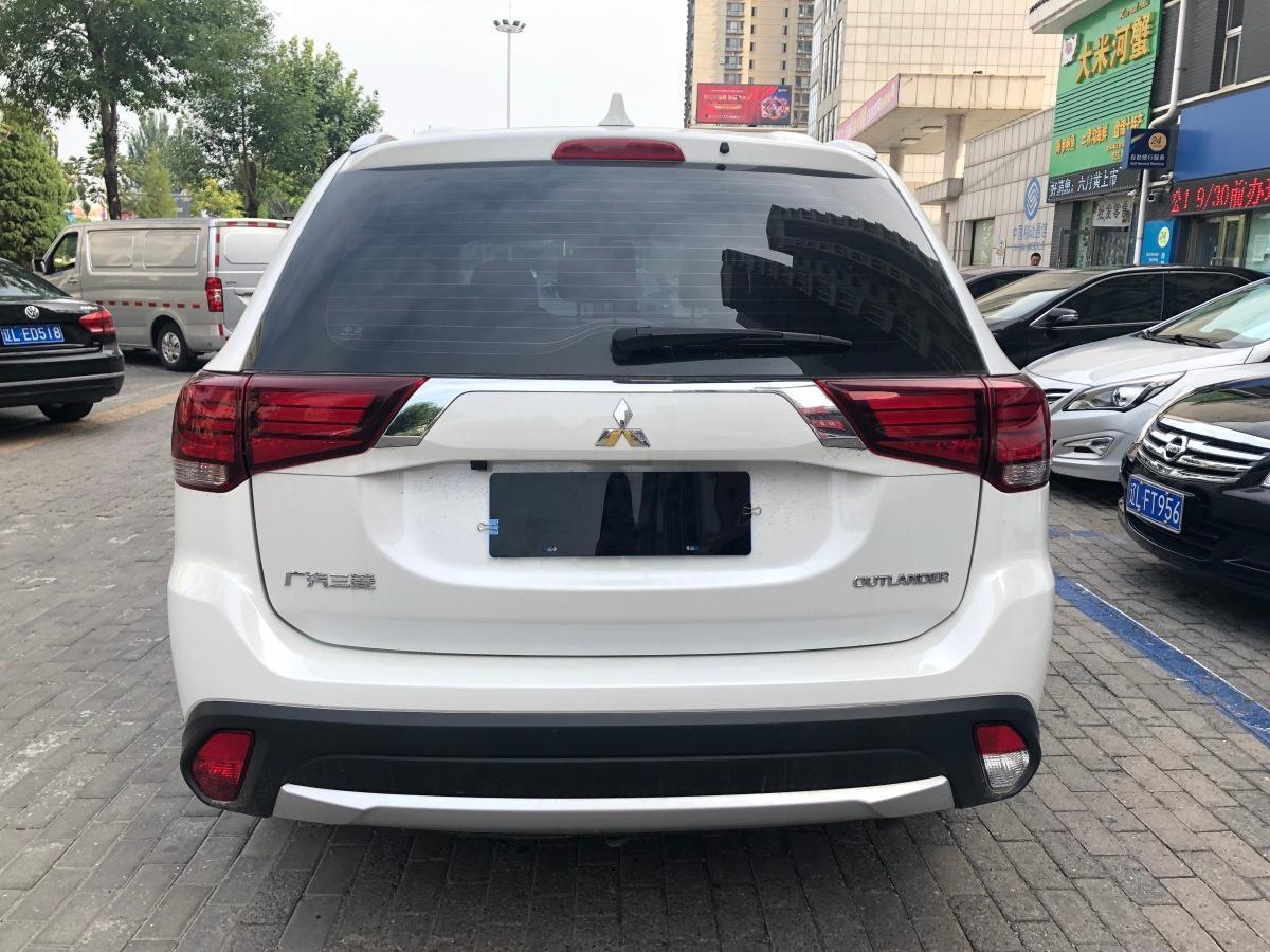 三菱 欧蓝德  2018款 2.0L 两驱荣耀版 5座图片