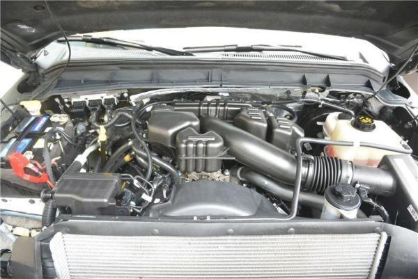 福特 F-550  6.8图片