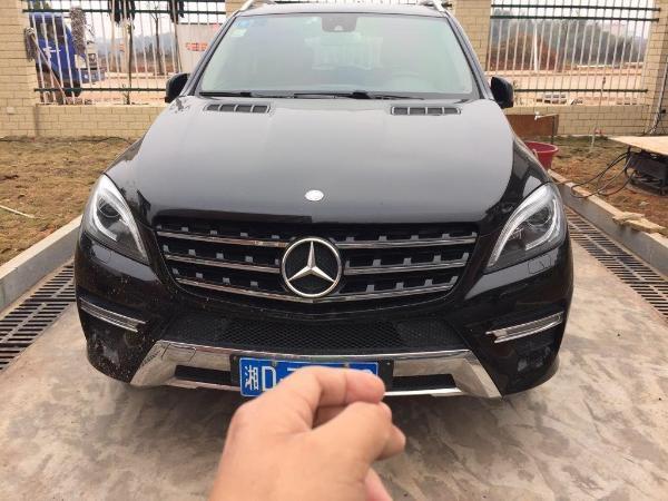 【衡阳】2013年9月 奔驰 m级 ml300 3.5 四驱版 黑色 手自一体