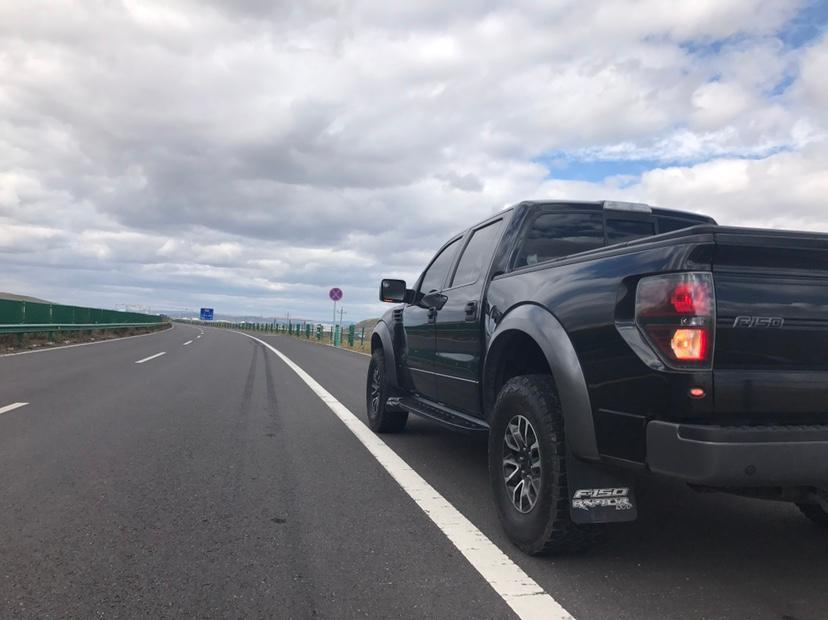 福特 F-150  2011款 6.2L SVT Raptor SuperCrew图片