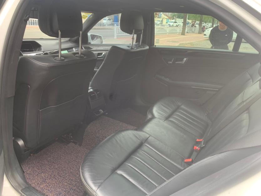 奔驰 奔驰E级  2014款 改款 E 300 L 运动豪华型图片