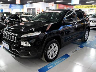 Jeep 自由光  2.4 专业版+智能包图片
