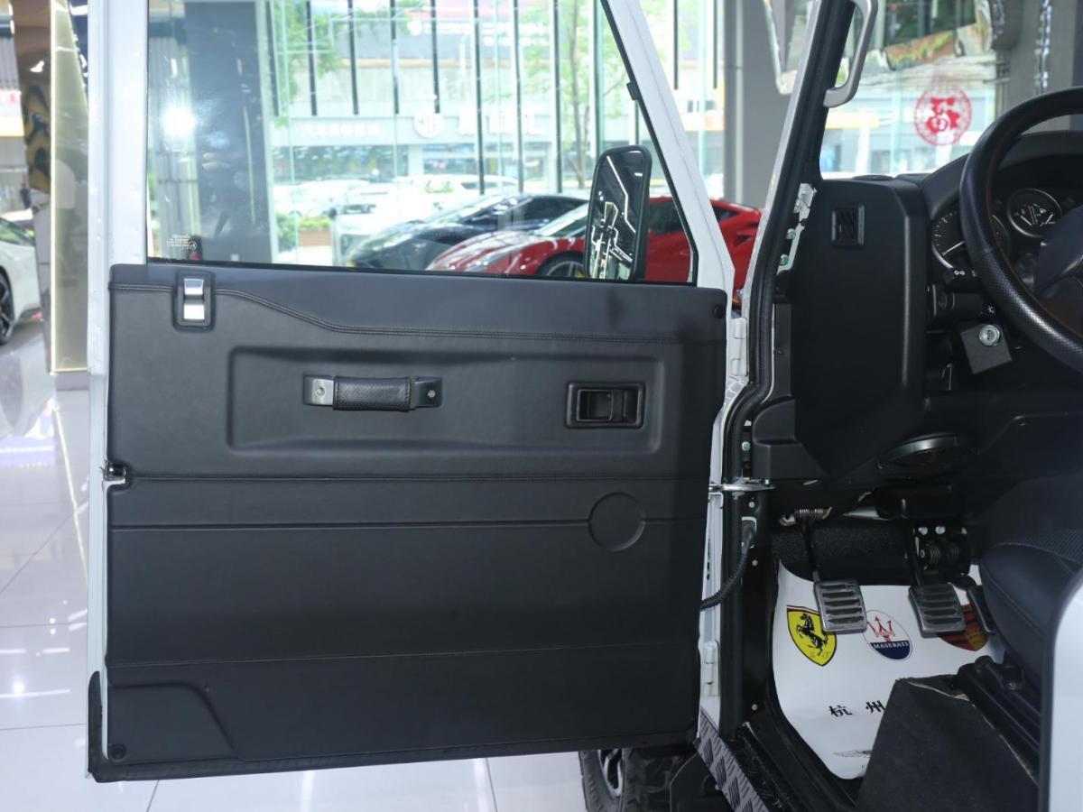 路虎 卫士 2.2T 110柴油 欧规版图片