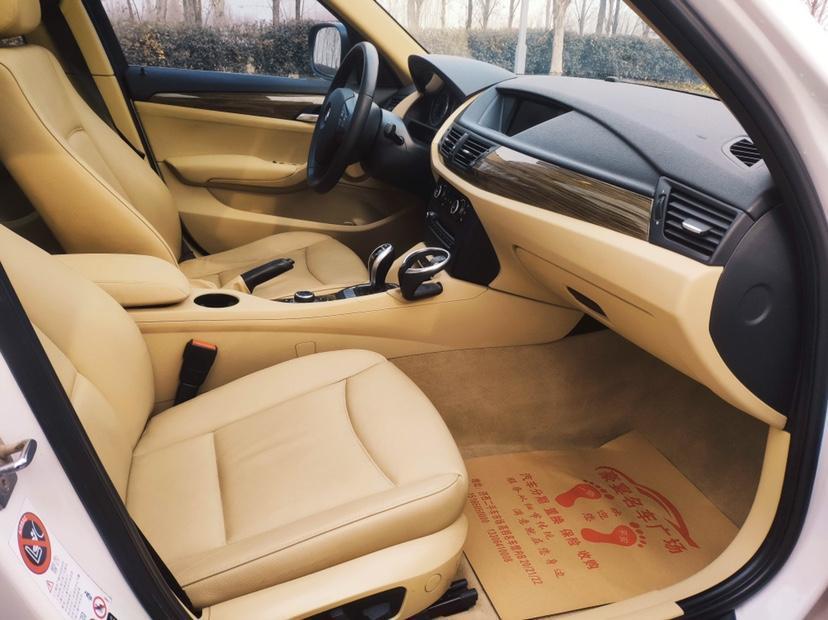 宝马 宝马X1  2012款 xDrive20i 豪华型图片