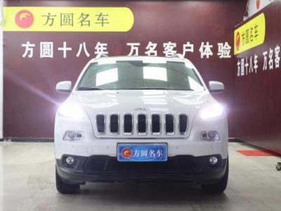 Jeep 自由光 2.0 智能版图片