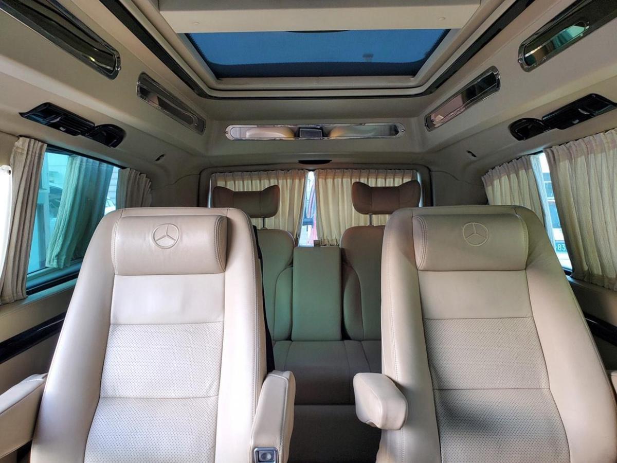 奔驰 威霆  2011款 2.5L 7座行政版图片