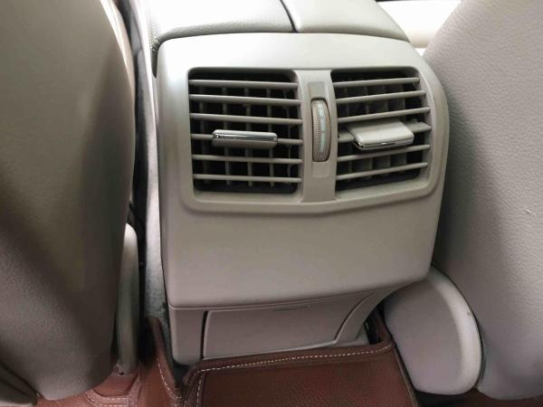 奔驰 E级  E260L 1.8T 豪华型图片