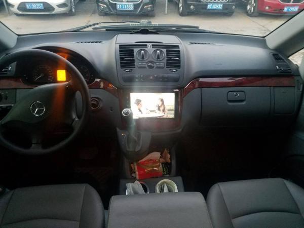 奔驰 威霆  3.0 商务版图片