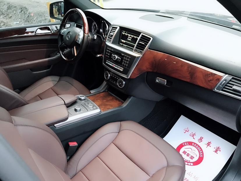 奔驰 ML级  2014款 ML400 3.0T 4MATIC 豪华型图片