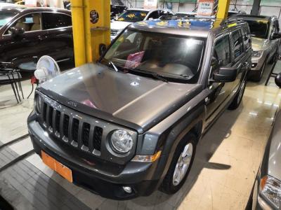 2012年5月 Jeep 自由客(进口) 2.4 运动版图片
