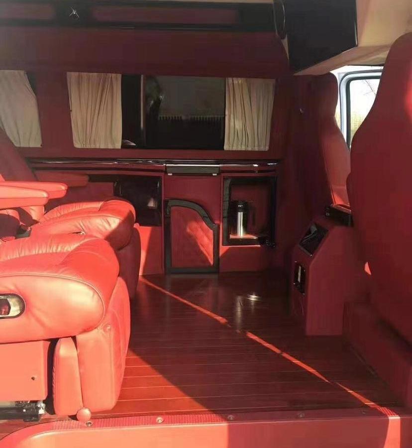 福特 E350  2011款 5.4L 普通游艇版图片