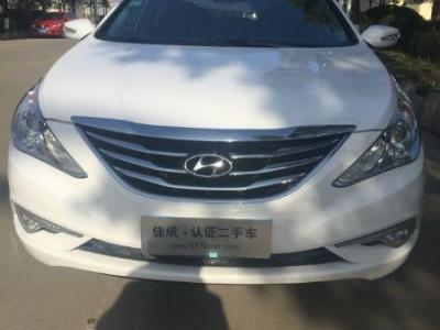 2012年4月 二手五菱 荣光面包车1.2排量 价格3.5万元