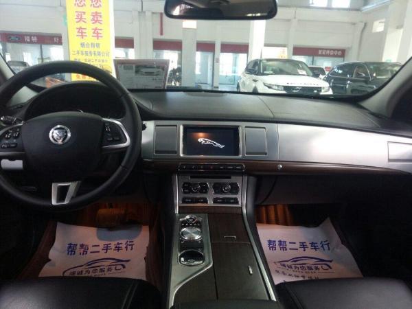 捷豹 XF  2.0T 奢华版图片