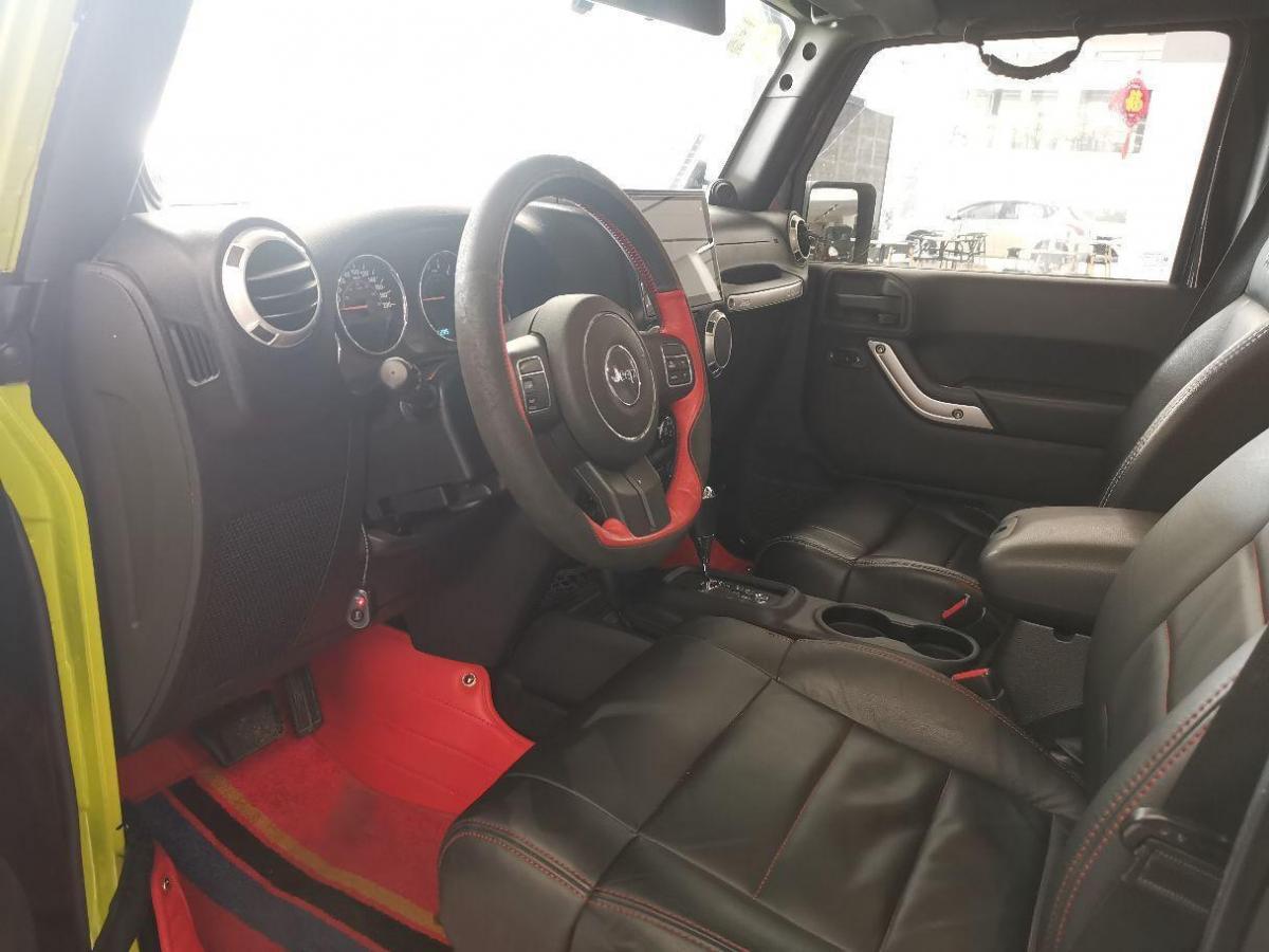 Jeep 牧马人  2011款 3.8L Rubicon 四门版图片