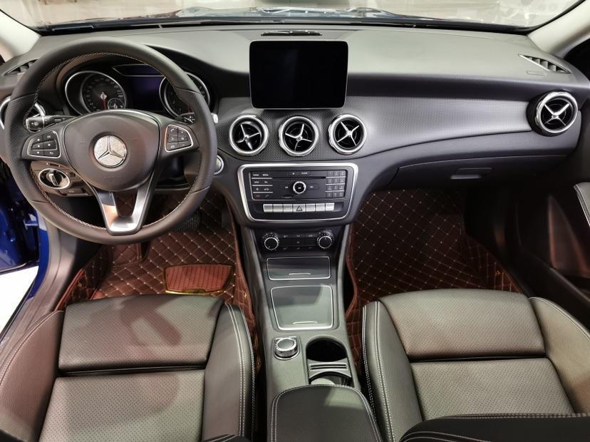 奔驰 奔驰GLA  2017款 GLA 200 动感型图片
