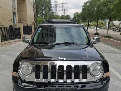 2012年9月 Jeep 自由客(进口) 2.4 豪华版图片
